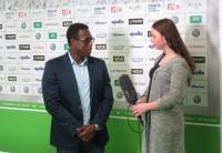 Pablo Thiam im Interview mit Schülern